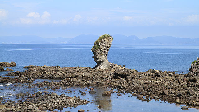 すごい岩を発見したのだ。