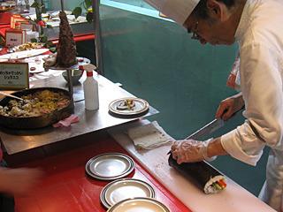 チラシ寿司だけでなく、海苔巻きも御堂寿司。寿司ならなんでもいいらしい。
