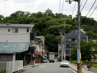 さらに歩いて、宇和島に到着。現存天守!