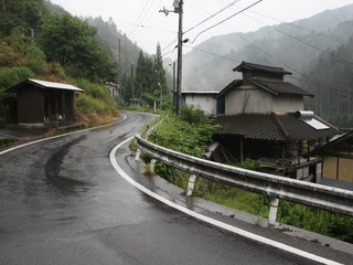 小田町で食料確保後、農祖峠方面へ――