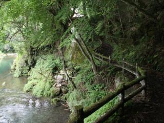 岩屋寺からは川沿いに久万町へ戻り――