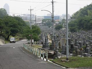 さらに、墓地を抜けて今治市街へ下り――