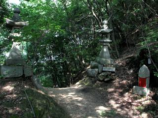 仙遊寺からは山道を下り――