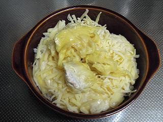 チーズとドリアンをのせて