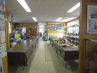 キレイで広々とした教室。