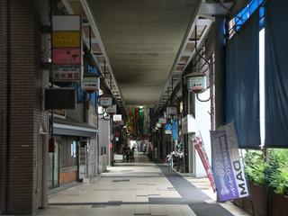 瀬戸大橋で有名な坂出市の商店街を歩き――