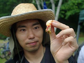 殻をむいて背ワタを取って食べる。ちょっと面倒だけれど、やっぱりうまい。