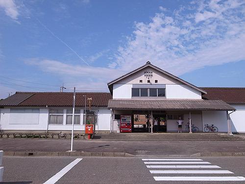 津駅の隣駅「阿漕駅」に到着! ここに味噌カツ発祥の店がある