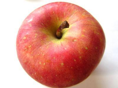 りんごも買いましたよ。フフフ。