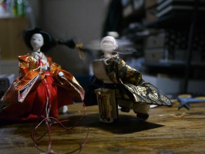 人形の首を回してクール・ジャパン
