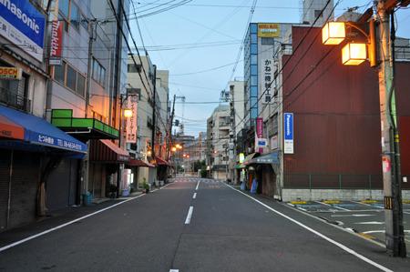 朝の街って良いですねぇ。