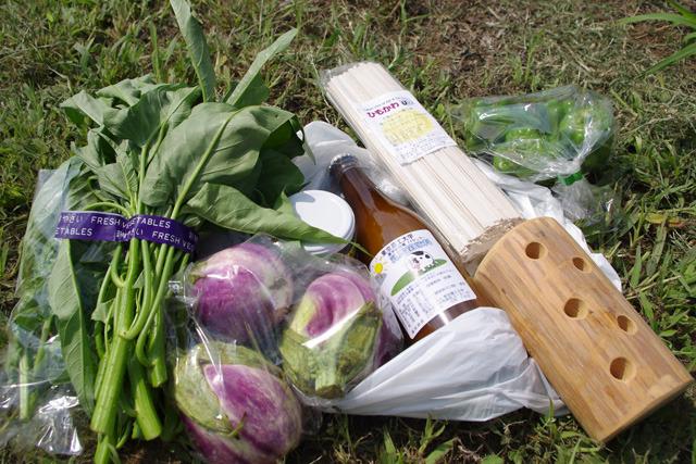 ぜんぶ農学部生まれ。ジャム、空芯菜、ピーマンなども買いました。