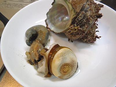 美味しいけれど、中身だけの貝は見た目グロいですよね。