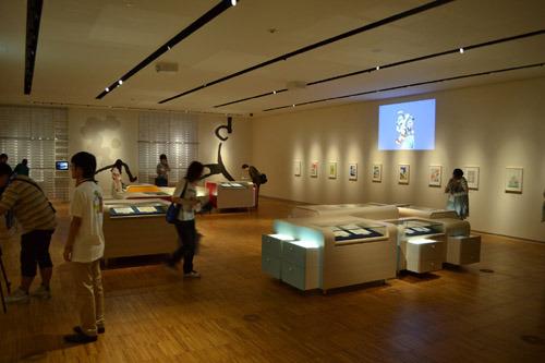落ち着いた雰囲気の展示室