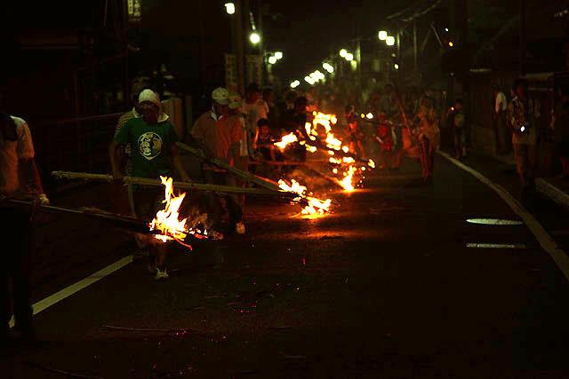 東京から新幹線で2時間のとこで、こんな異文化な祭が行われていたよ。