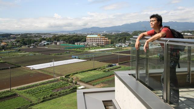 綾瀬市生まれ、綾瀬市育ちの著者が、愛をもって綾瀬市を紹介します