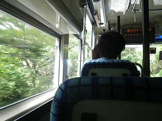 バスはどんどん高原へ向かっていく。