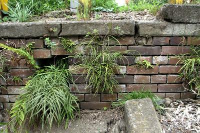 プラットホームの一部には、煉瓦も見られた