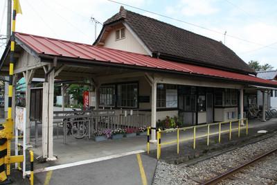 こちらはやや洋風な、上州一ノ宮駅