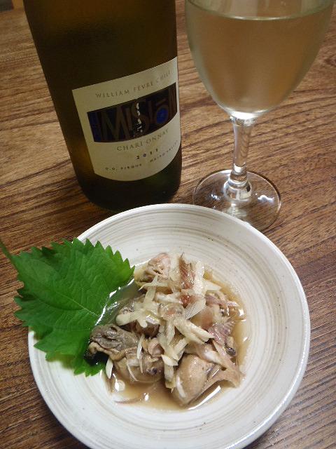 燻製牡蠣とナンプラーなのでワインを出してみた。