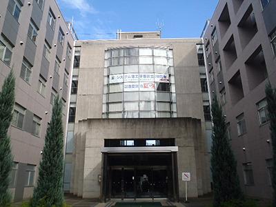 機械制御システム学科の建物。この建物も工学の力で動くんだぜ! ウソだけど。
