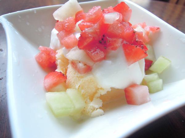 あわててヨーグルトがけアイスに乗せて食べたら、そうだよ、やっぱり君らは果物なんだよ