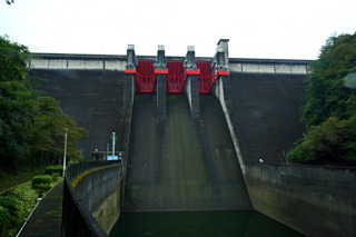名張市の上流にある室生ダムと