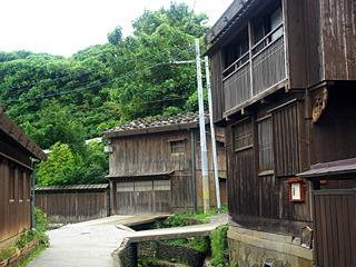 水路と路地が入り組んだ町が残されている。