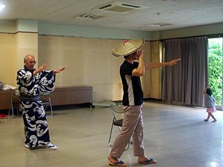 佐渡の人はみんな踊れるのかと聞いたが、「そんなことはない」そうだ。