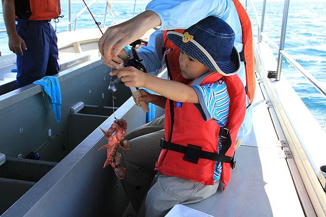 4歳の息子もバンバン釣る。