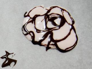 薔薇。すごくひどい。いちごラテのペーストを使用。