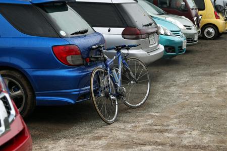 車と自転車で色を揃えるというお洒落