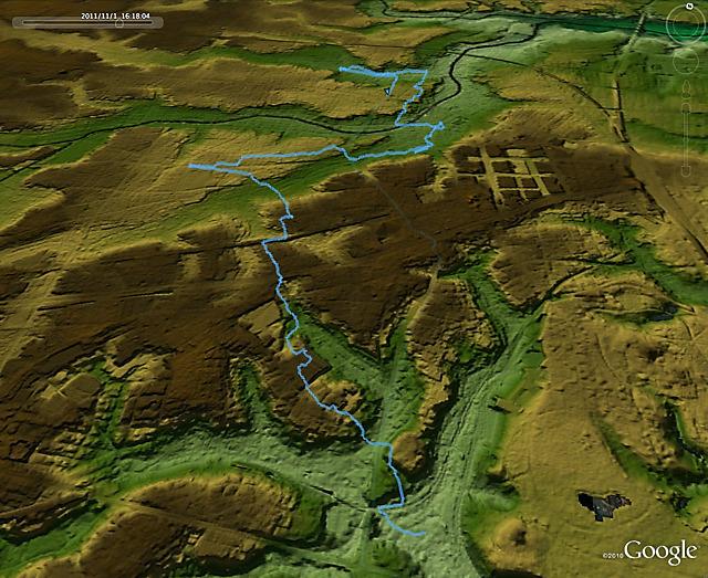 なんとなく、地形図に重ねてみた。渋谷川のほうから尾根を越えて神田川の方まで歩いたわけだ。角のタバコ屋求めて。(東京地形地図</a>をGooleEarthで表示したものに重ねた)
