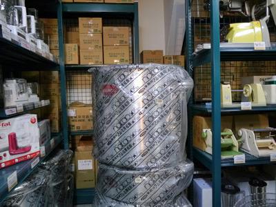 店で一番でかい寸胴は60センチ×60センチ、164リットル、8万円!