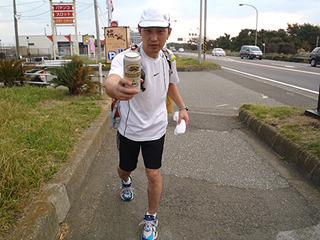 DPZ大学、3区走者馬場選手、他を大きく離して平塚中継所に到着!