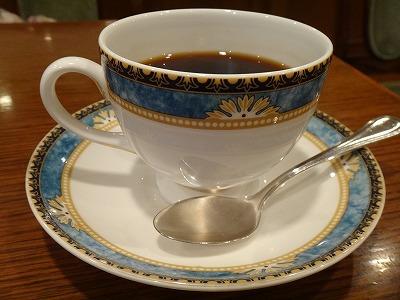 細かい意匠が美しいカップ