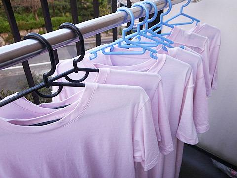 ちなみに毎日ピンクのシャツですが、毎日違うピンクのシャツを着ています
