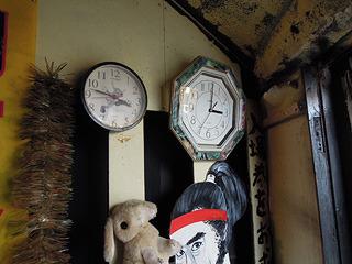 沢山ある時計(どれひとつ合ってない)
