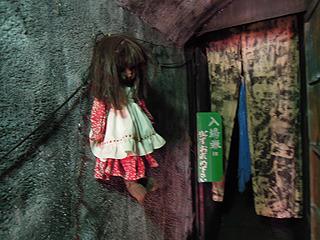 人形は壁に貼る傾向があるのか