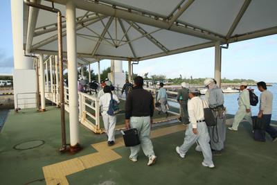 朝一の船だった為、乗客の9割は工事の関係者