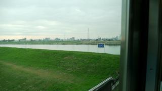 市川は東京から江戸川を越えてすぐ