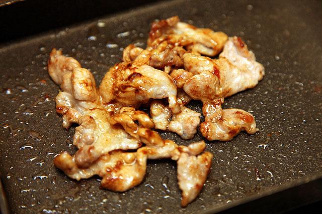 焼けた豚肉を大写しにしてみんなのお腹を鳴らすコーナー。