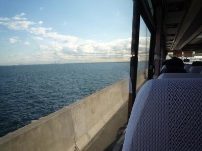 帰りは一瞬だけ海の横を通って川崎へカムバック。
