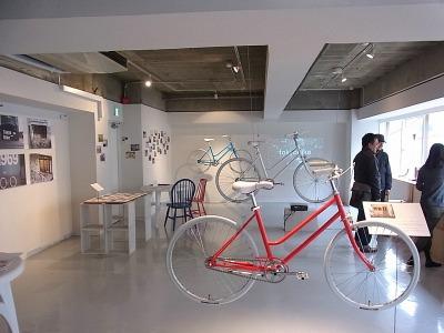 そのため、スペース内にはおしゃれな自転車がたくさん展示されている