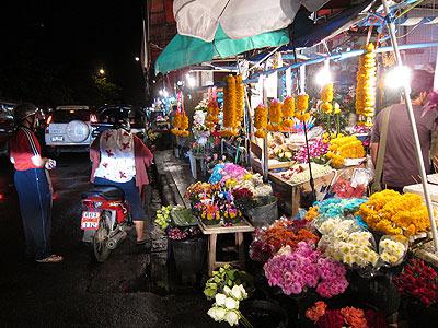 やってきたのは花市場