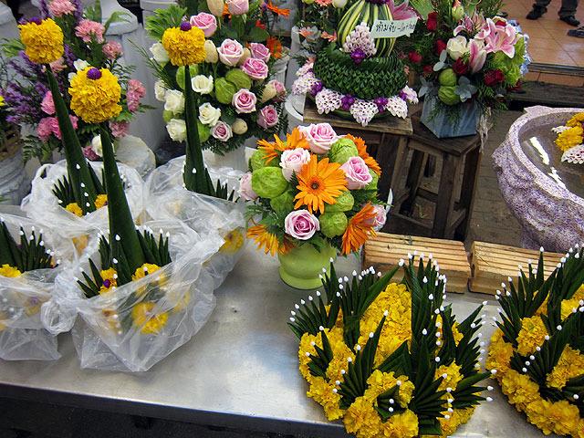 このへんは花屋ばかりが密集していて、
