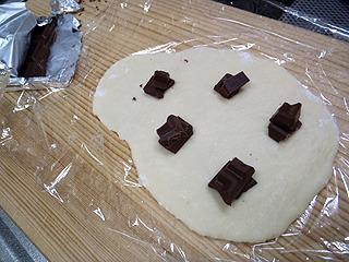 挟むのがホワイトやイチゴチョコならその味になります。