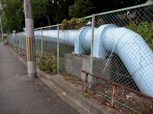これは明らかに水道管!