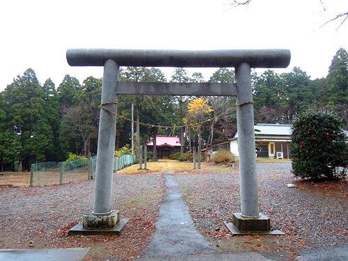 なにもないところにぽつんと十倉神社