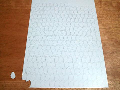 般若心経、278文字分に多少の数を加え下書き。これ切るんか・・・。